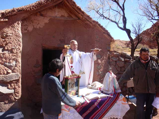 Gottesdienst in Tres Cruces Bolivien